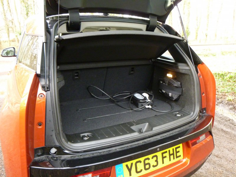 bmw-i3-boot-size-charger