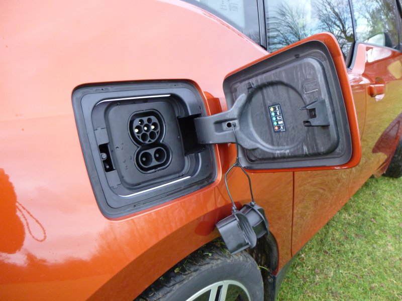 bmw-i3-charing-connector-ports