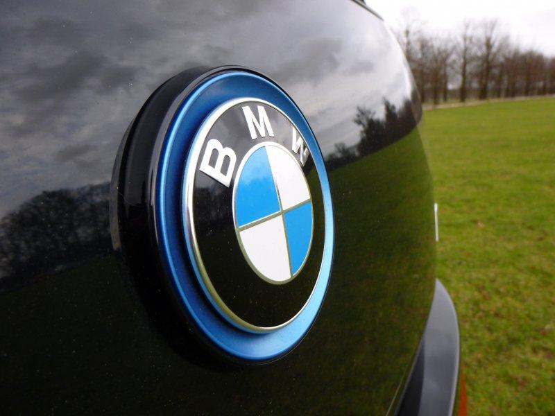 bmw-i3-logo-badge