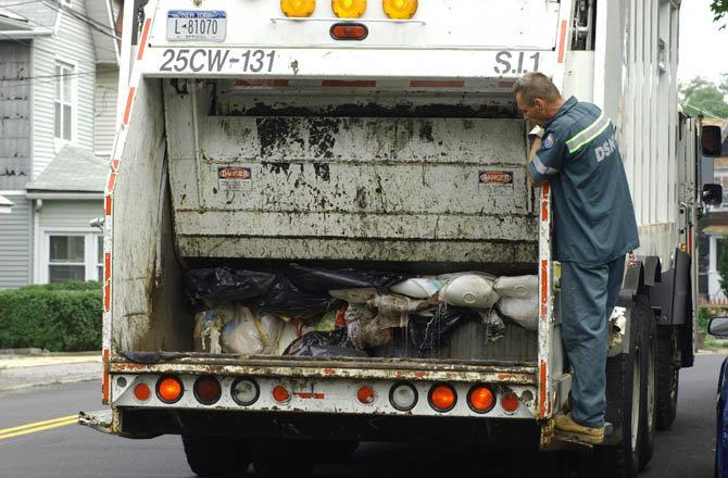 New-York-City-Department-of-Sanitation-truck-dpf-diesel-particulate-filter