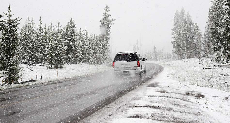 winter-car-tyres-snow-4x4